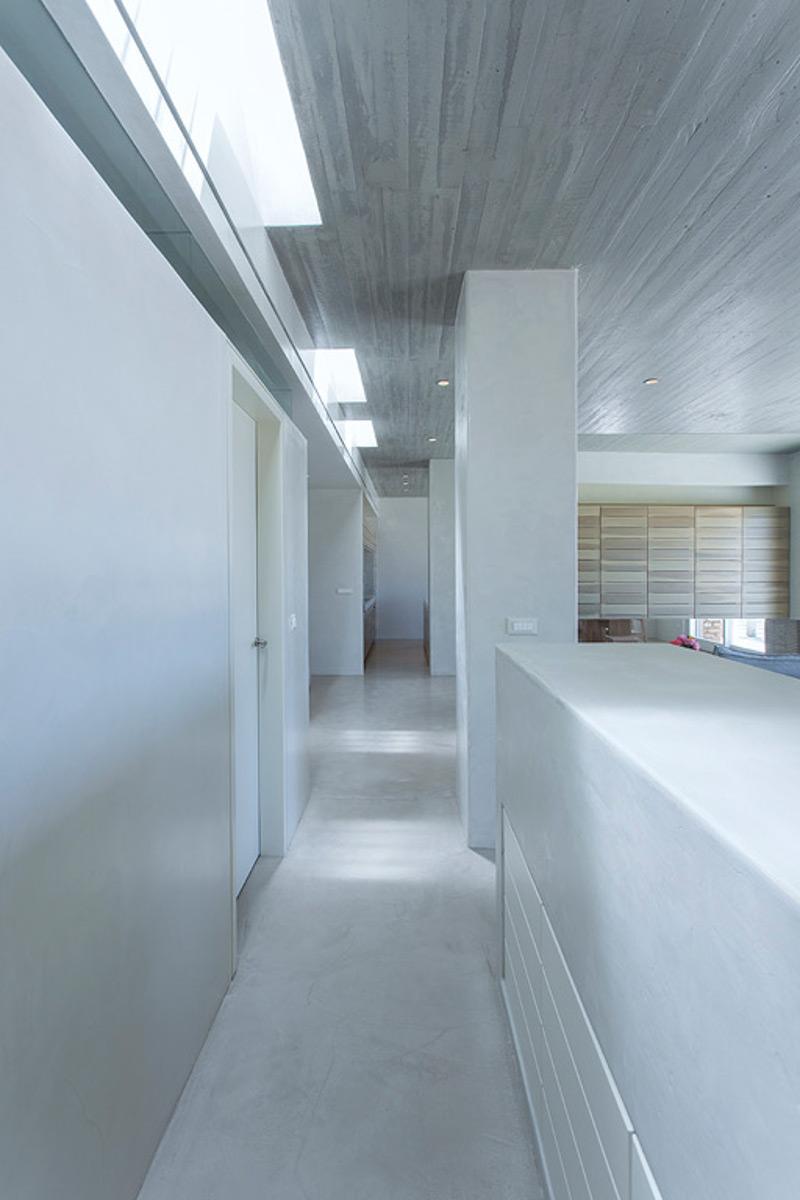 Ίος: Μη σας ξεγελάει το εξωτερικό αυτού του σπιτιού... Δείτε το εσωτερικό του και θα αλλάξετε γνώμη! (photos)