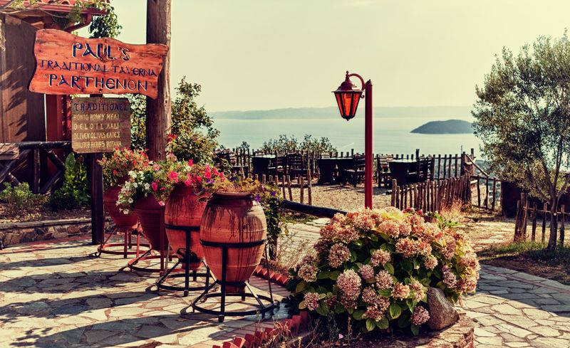 Αυτό είναι το ομορφότερο χωριό της Χαλκιδικής! Μια πινελιά μαγείας σε έναν ευλογημένο τόπο