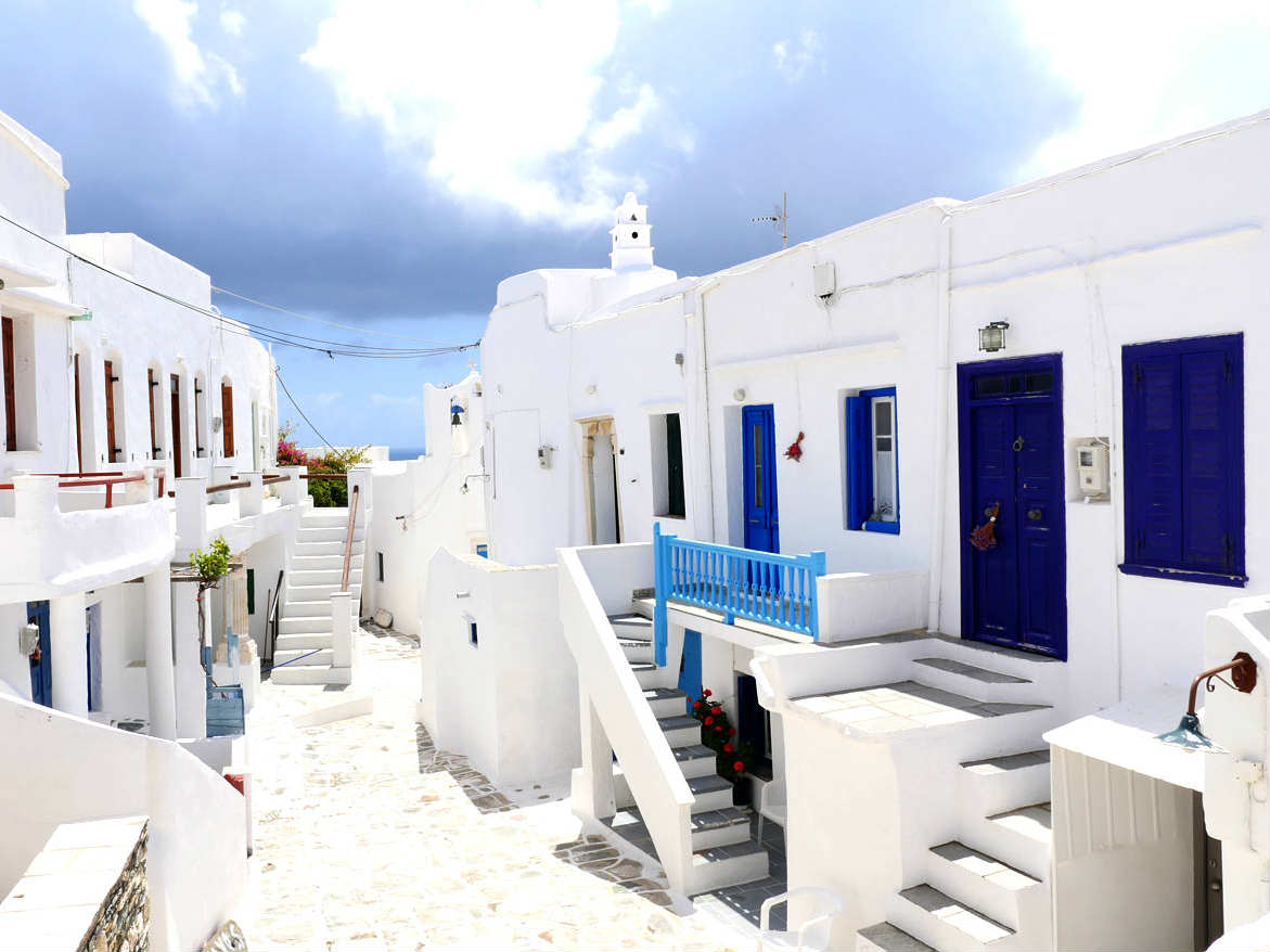 Σίφνος: Όσα πρέπει να ξέρεις για ξενοδοχεία, φαγητό,αξιοθέατα παραλίες, μυστικά…