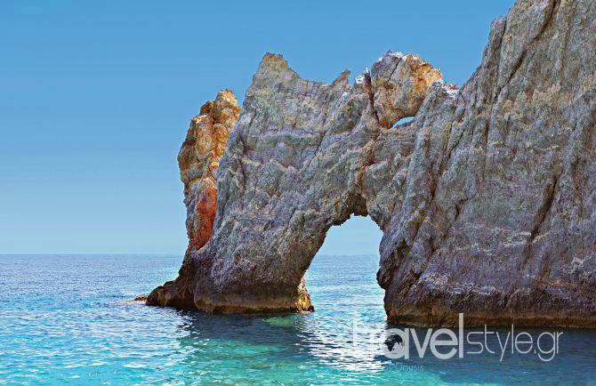 Τα καλύτερα μέρη για φαγητό στη Σκιάθο και η best of παραλία της