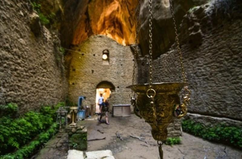 Η εκπληκτική Μονή του Ασκητή που βρίσκεται πολύ κοντά στην Αθήνα! Δείτε το βίντεο