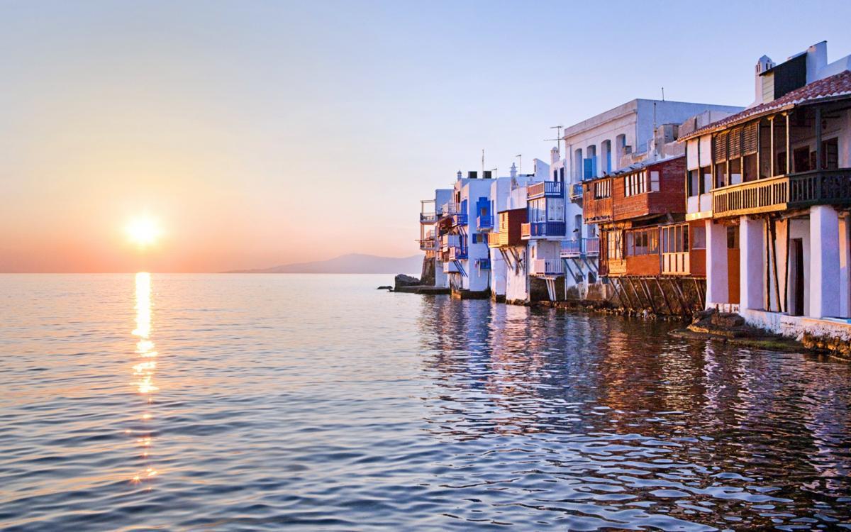 Θέλεις να βιώσεις ένα παραδοσιακό Πάσχα στην Ελλάδα; Δες 10 δημοφιλείς προορισμούς!