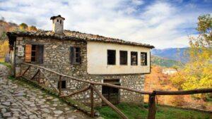 Παλαιός Παντελεήμονας: Ταξίδι στο χωριό και 3+1 εξαιρετικά ξενοδοχεία με βαθμολογία πάνω από 9,3 και τιμή κάτω από €65 – Από τον Τάσο Δούση