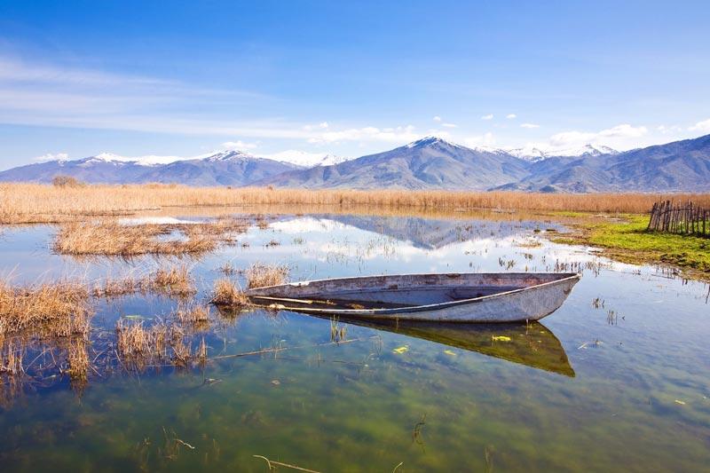 Πρέσπες όχθη λίμνης