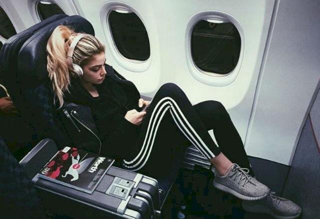 4 πράγματα που δεν πρέπει να φοράτε ποτέ στο αεροπλάνο!
