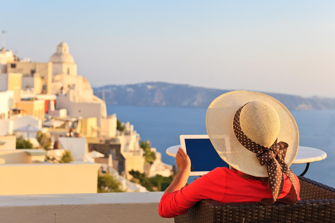 Τάσος Δούσης: Με την εμπειρία εκατοντάδων κρατήσεων ξενοδοχείων σας δίνω 10 συμβουλές και tips για να μην την πατήσετε!