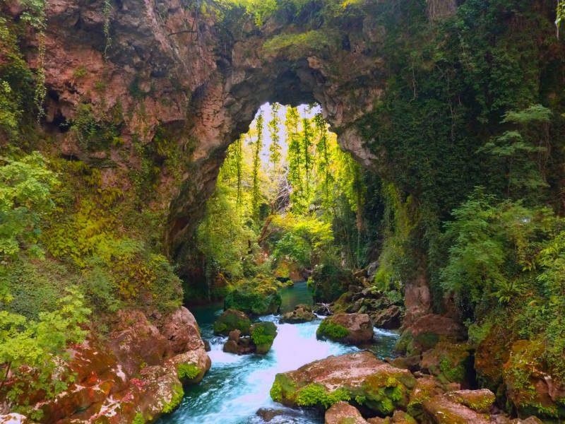 Η πανέμορφη γέφυρα στην Ήπειρο που δεν την έχτισε ανθρώπινο χέρι!