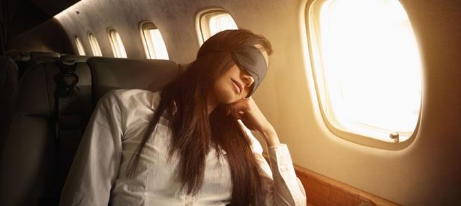 Τάσος Δούσης: Πλήρωσε οικονομική θέση στο αεροπλάνο αλλά ταξίδεψε καλύτερα από business! Σας έχω 2 tips για να ταξιδεύετε πάντα σαν άρχοντες...