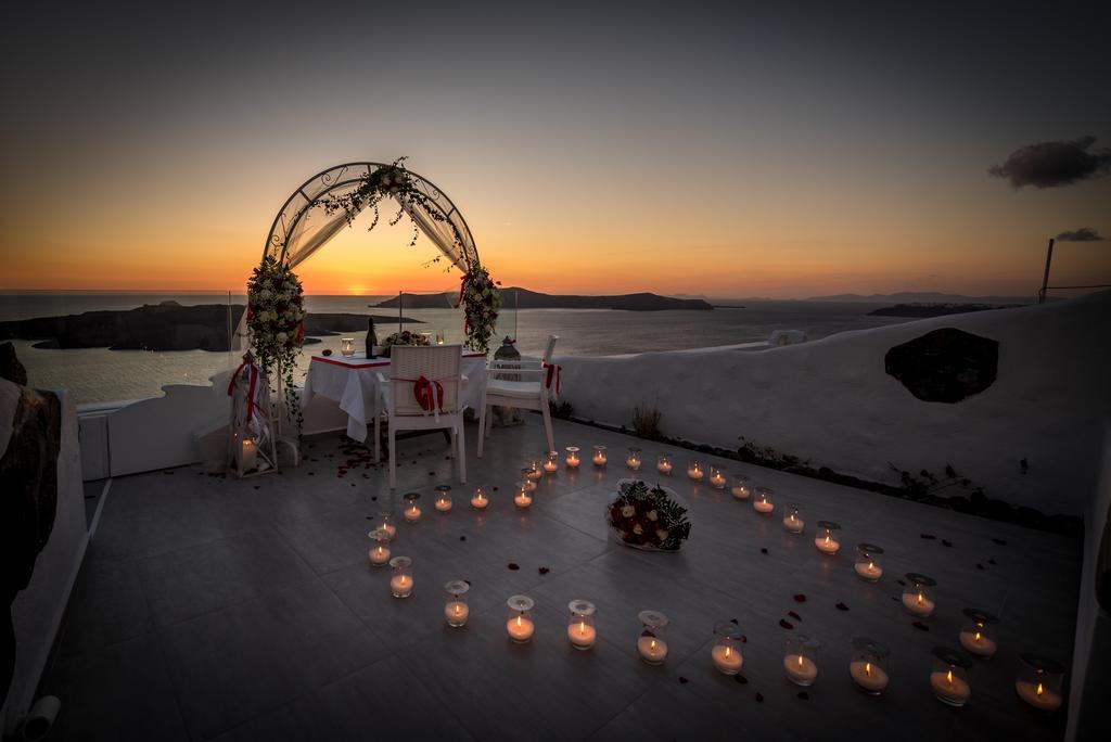 Fira Deep Blue Suites ρομαντικά κεριά