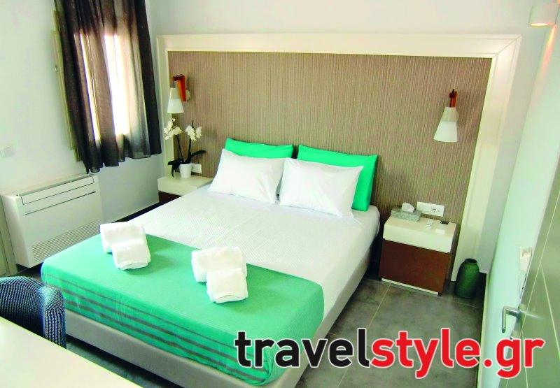 Σαντορίνη: 8 ξενοδοχεία με απίστευτη βαθμολογία στη Booking από 30€ το δίκλινο!