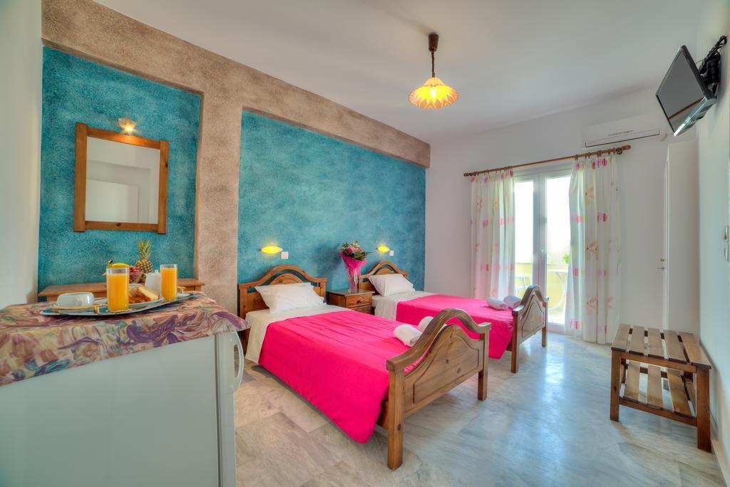 Εξωπραγματική προσφορά για Σαντορίνη! Καταπληκτικό δωμάτιο με 33€ και εξαιρετικά σχόλια στην booking!