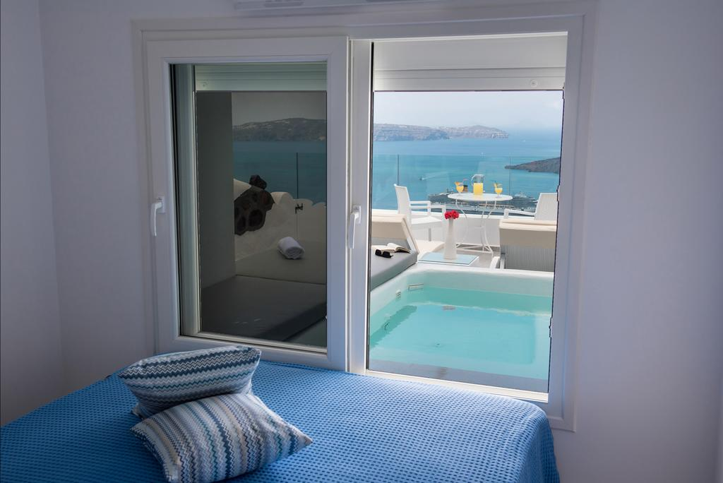 Fira Deep Blue Suites δωμάτιο
