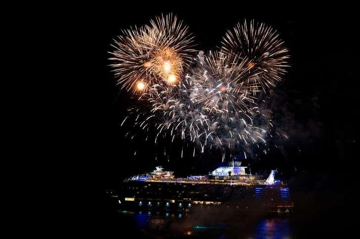 Ατέλειωτη χλιδή στην κρουαζιέρα του μεγαλύτερου πλοίου στον κόσμο! (photos)
