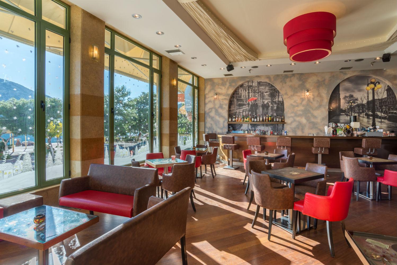 Ένα value for money ξενοδοχείο, στον παραθαλάσσιο οικισμό πίσω από τον Παρνασσό!