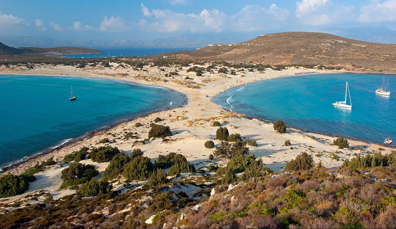 Ο Τάσος Δούσης σας προτείνει τα 40 μέρη στην Ελλάδα που πρέπει να επισκεφθείς πριν πεθάνεις!