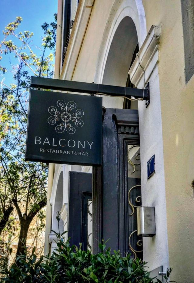 Balcony Restaurant & Bar, Κουκάκι