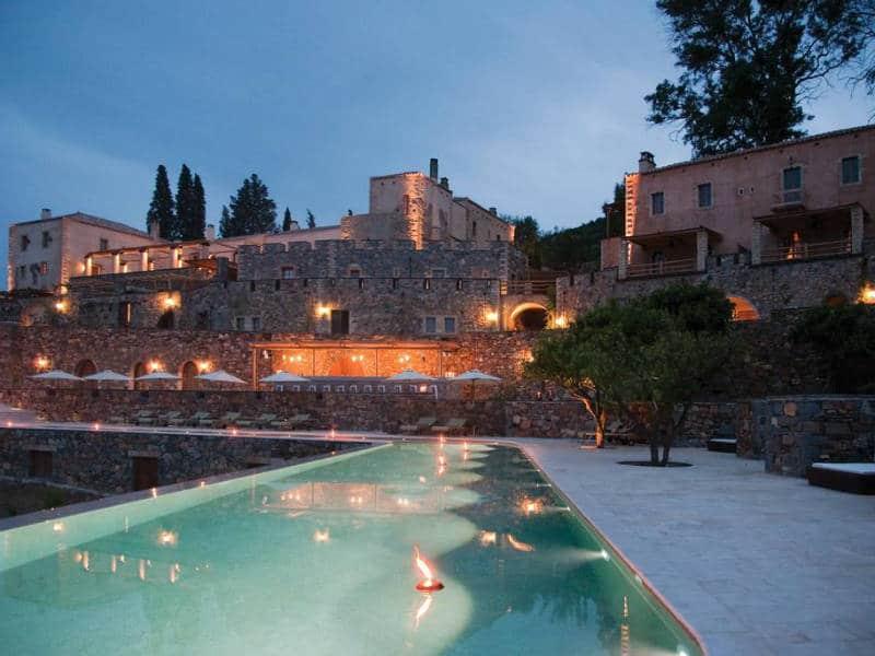 Αυτό είναι το πιο ρομαντικό ξενοδοχείο στην Πελοπόννησο που έχει βαθμολογία στην booking 9,3!