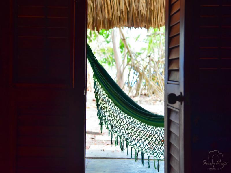 7 πόλεις μέσα από πόρτες και παράθυρα! Φωτογραφίες που σε ταξιδεύουν... (photos)