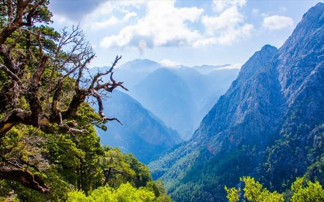 Τα 5 μέρη της Ελλάδας που επισκέπτονται περισσότερο οι τουρίστες!
