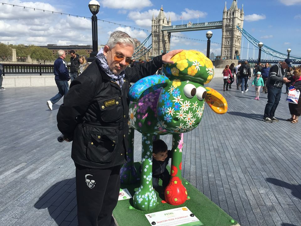 Ο Τάσος Δούσης στο Λονδίνο