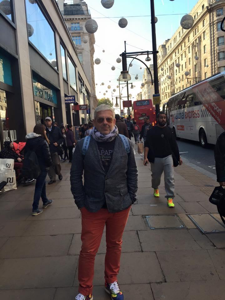 Τάσος Δούσης - βόλτα στο Λονδίνο