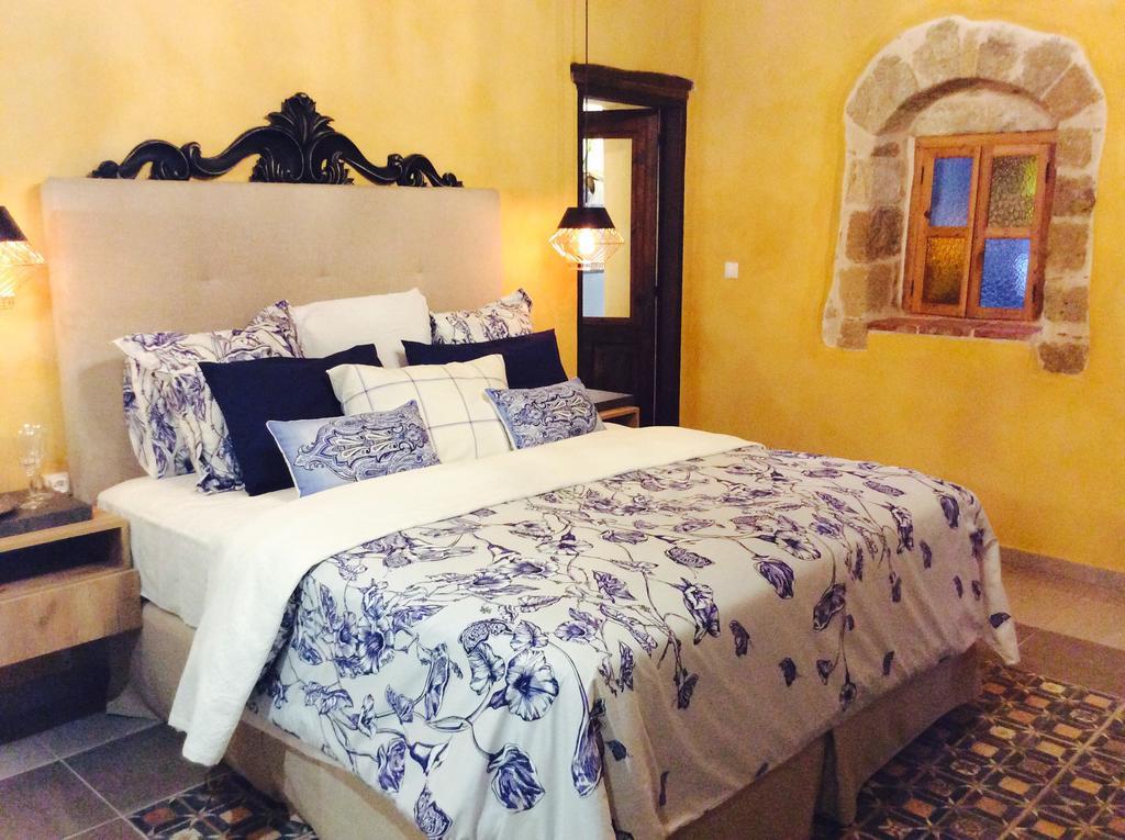 Τάσος Δούσης: Ποιο είναι το ξενοδοχείο στην Ελλάδα που έχει τρελάνει τους ξένους; Γιατί του δίνουν 10 στην booking;