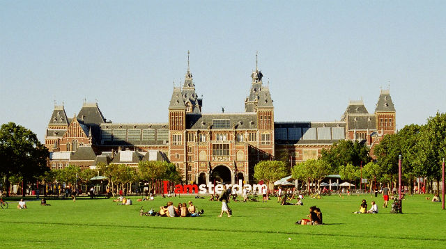 Museumplein, Άμστερνταμ