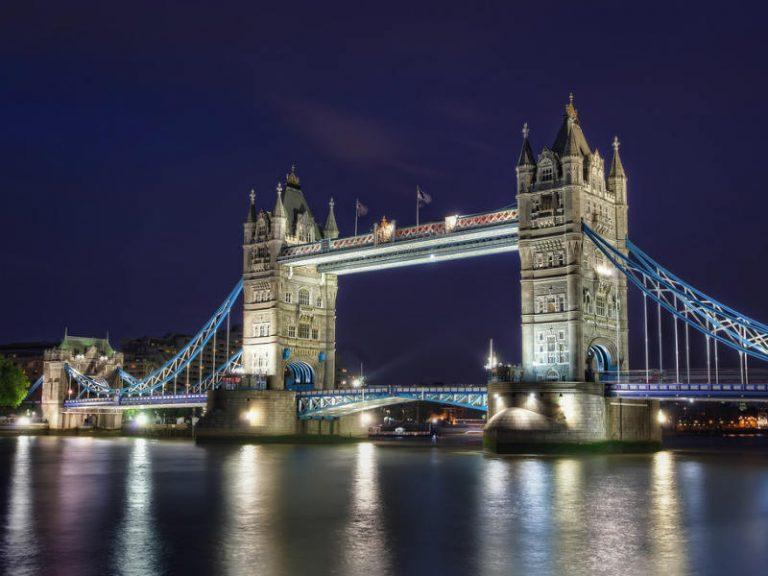 Έτσι κατασκευάστηκε η Tower Bridge: Η περίφημη γέφυρα του Λονδίνου