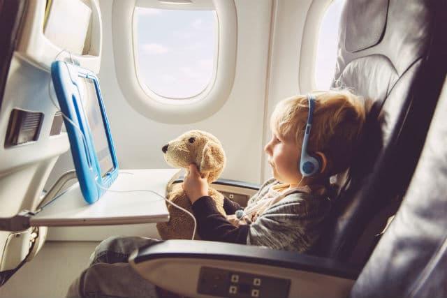 Παιδί στο αεροπλάνο
