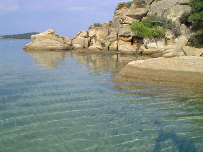 Ο εξωτικός παράδεισος της Χαλκιδικής με τα τυρκουάζ νερά και το μεγάλο μυστικό! (photos)