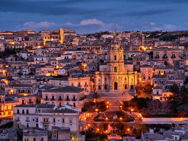 Ελάτε να ζήσουμε το παραμύθι μας σε 10 ονειρεμένες μεσαιωνικές πόλεις της Ευρώπης!