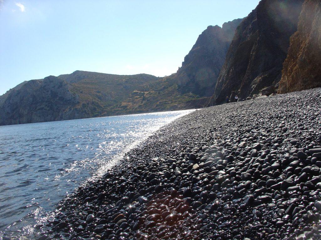 Μαύρα Βόλια - Οι κορυφαίες παραλίες στην Χίο