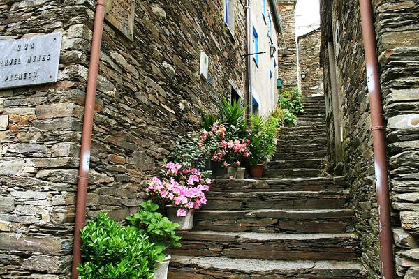 "To ""πέτρινο"" χωριό της Πορτογαλίας που ξεχωρίζει για την ιδιαίτερη αρχιτεκτονική του (photos)"