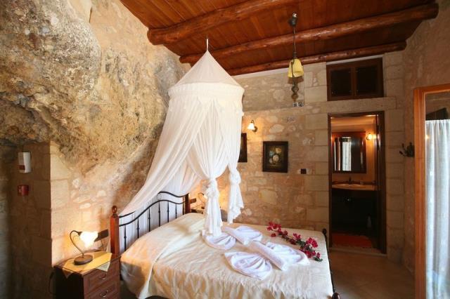 Σπίτι σπηλιά, Κρήτη