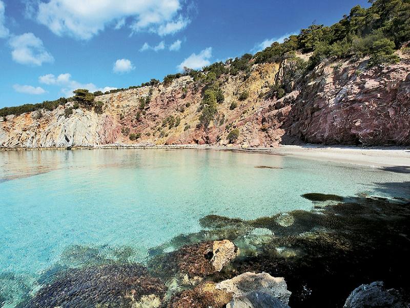 5 νησάκια στην Ελλάδα  από τον Τάσο Δούση που αξίζουν τα λεφτά τους! (photos)