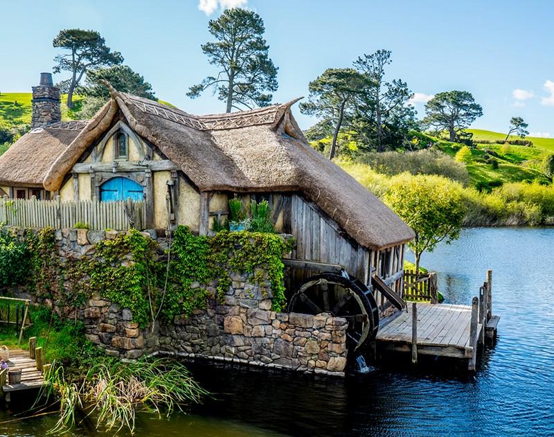 Μια βόλτα στο μαγικό χωριό των Χόμπιτ! (video)