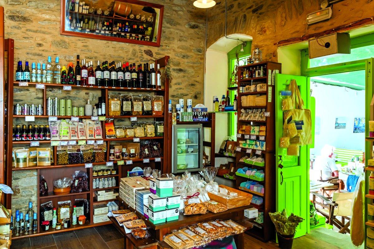 Το μαγαζί του Δίστρατο cafe με τα παραδοσιακά προϊόντα