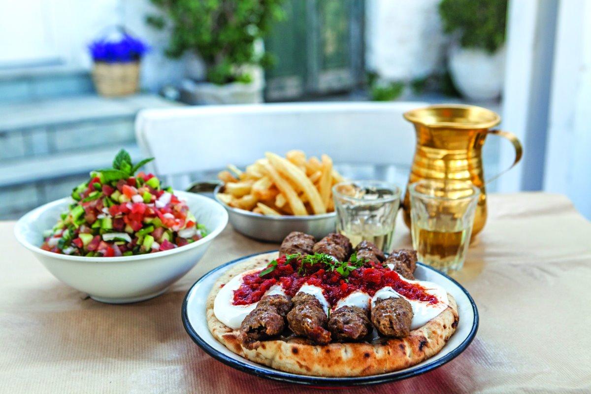 Λαχταριστές γεύσεις στο  Εξαίσιον στην Παροικιά