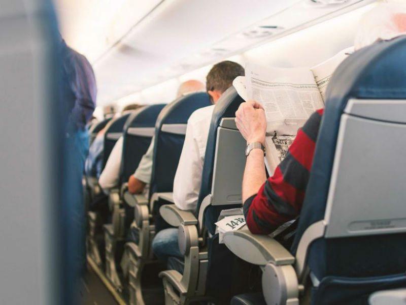 15 πράγματα που δεν πρέπει ποτέ να τα κάνετε σε ένα αεροπορικό ταξίδι