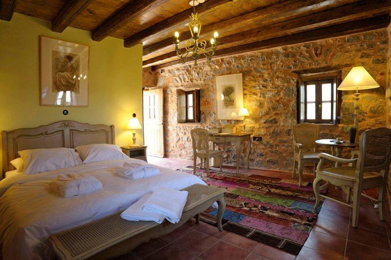Telegraph: 3 ελληνικά ξενοδοχεία ανάμεσα στα 50 πιο ρομαντικά της Ευρώπης