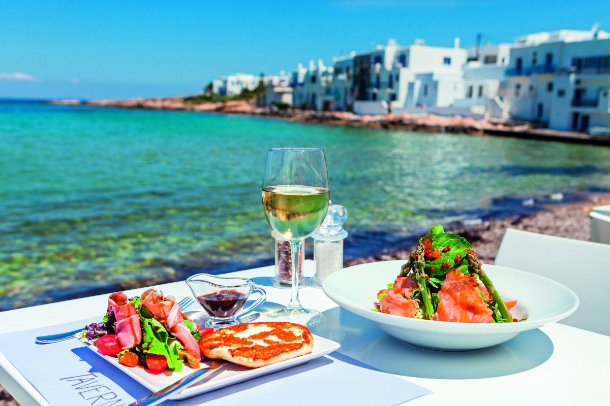 Γεύμα δίπλα στη θάλασσα στον Glafkos, Νάουσα Πάρος