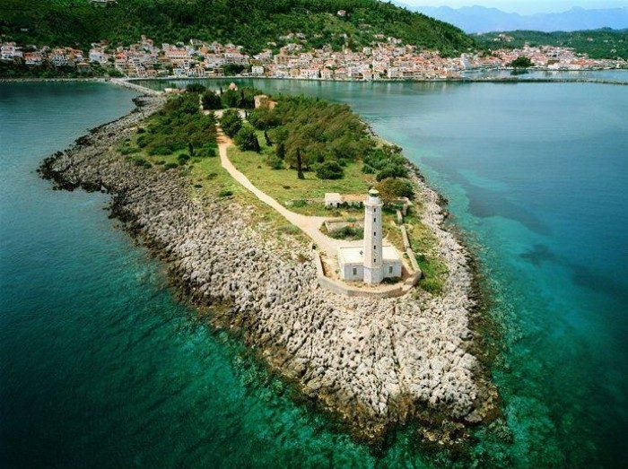 Ο πιο ρομαντικός προορισμός της Πελοποννήσου έχει τέλειες παραλίες