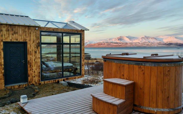 Στo αρχιτεκτονικό διαμάντι της Ισλανδίας κοιμάσαι κάτω από τα αστέρια