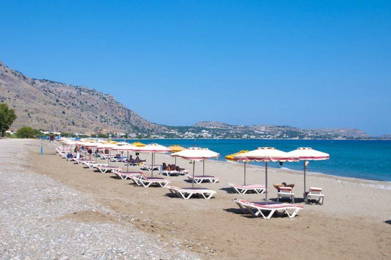 14 ονειρικές παραλίες στην Ρόδο. Ο Τάσος Δούσης ταξιδεύει στο νησί των Ιπποτών, προτείνει και διαψεύδει!