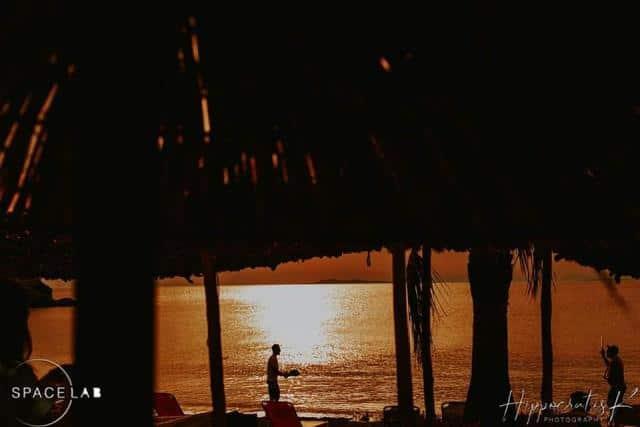 Μαύρο Λιθάρι beach bar