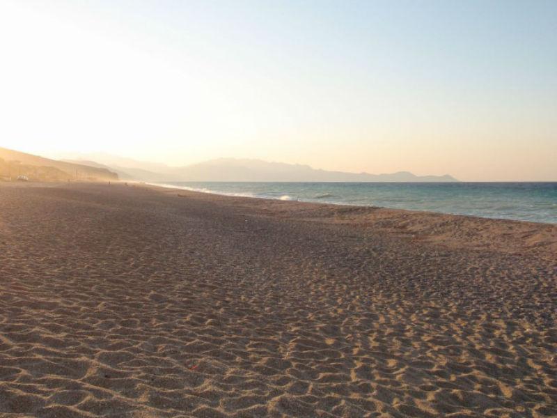 Μουρτερή, παραλία