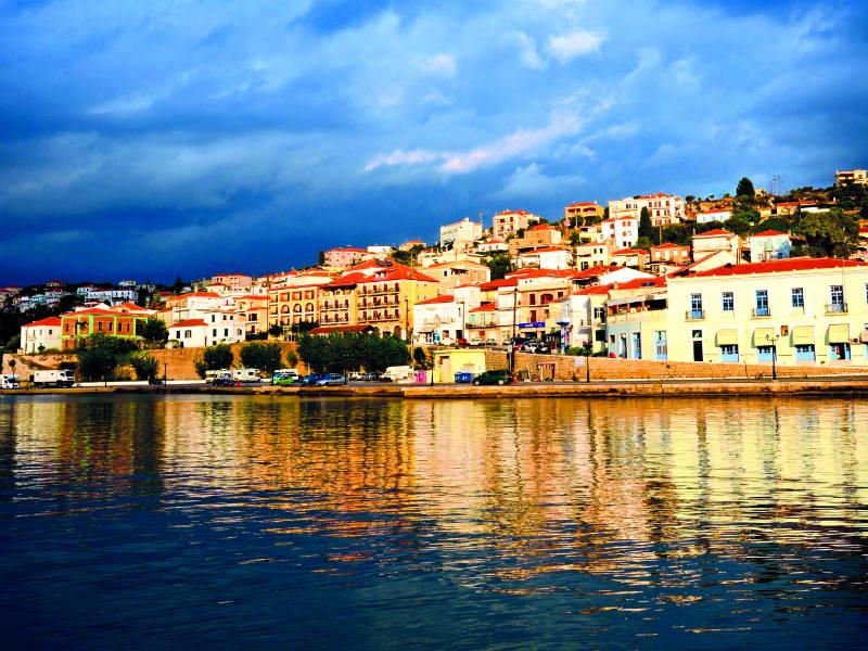 5 παραθαλάσσια χωριά της Πελοποννήσου που θυμίζουν νησί!