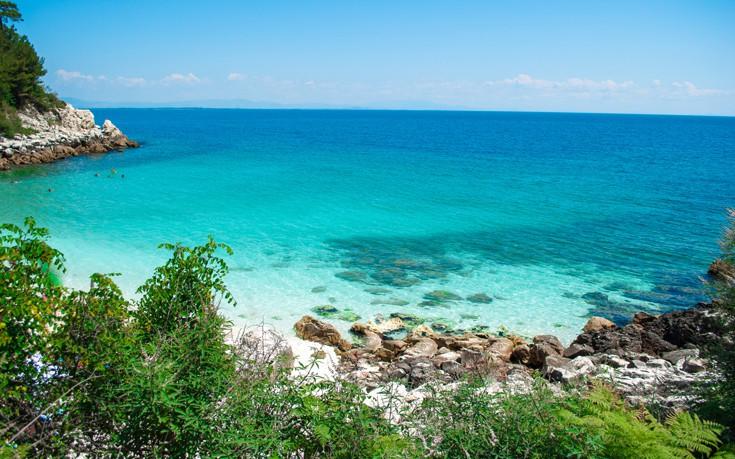 Πανδαισία χρωμάτων της φύσης σε 5 παραλίες της Ελλάδας! (photos)