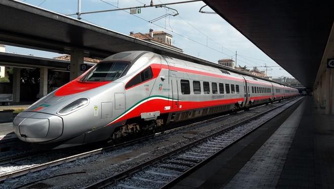 Με αυτό το πολυτελές τρένο θα κάνουμε πλέον την διαδρομή Αθήνα-Θεσσαλονίκη (photos)