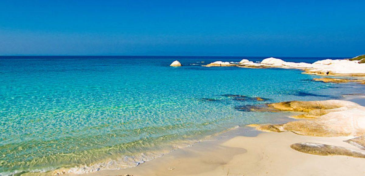 11 παραλίες της χώρας μας για δροσερές διακοπές